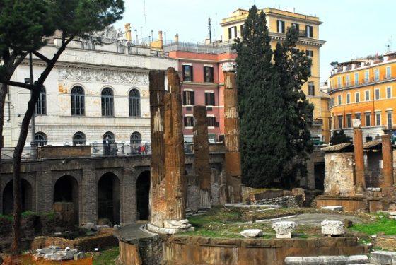 Teatro Argentina e ruderi Roma