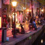 Vacanze ad Amsterdam: l'attrazione del distretto a luci rosse