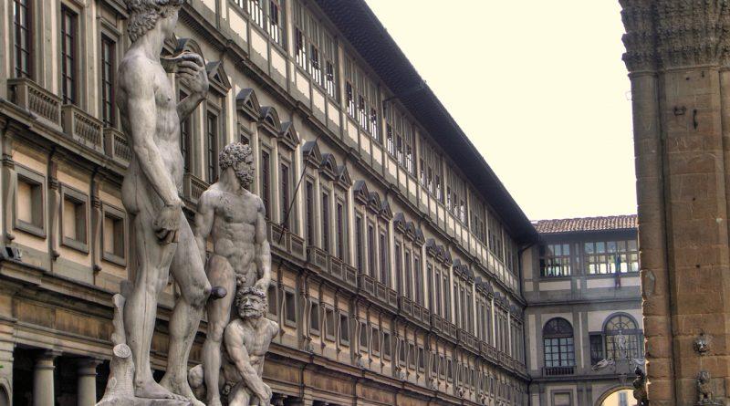 Firenze piazzale degli Uffizi