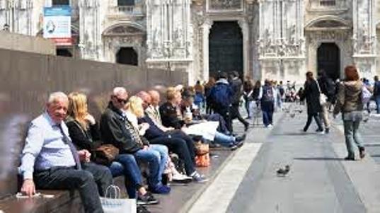 L'asfalto di Corso Sempione a Milano