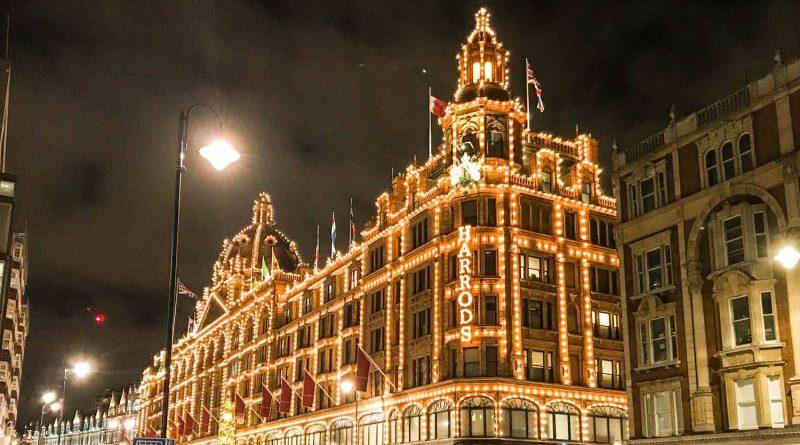 Trascorre il Natale a Londra Harrods
