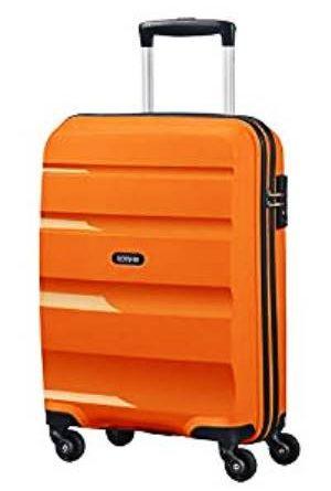 Viaggiatori esperti e gli accessori da viaggio