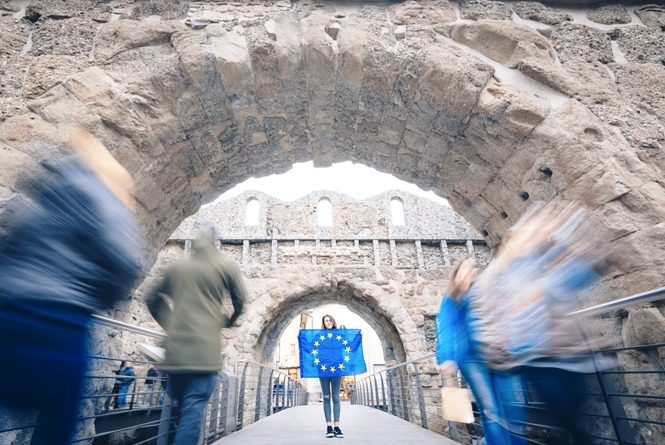 Europe is motion di Simone Fortuna