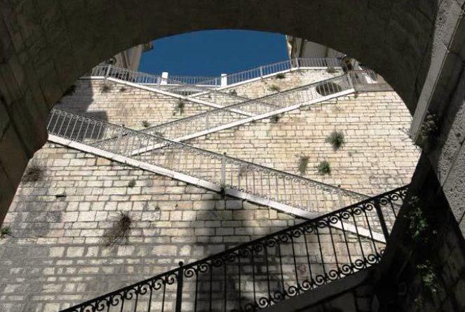 Potenza scalinata del popolo